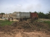 April 2007: de containers zijn aangekomen bij het weeshuis